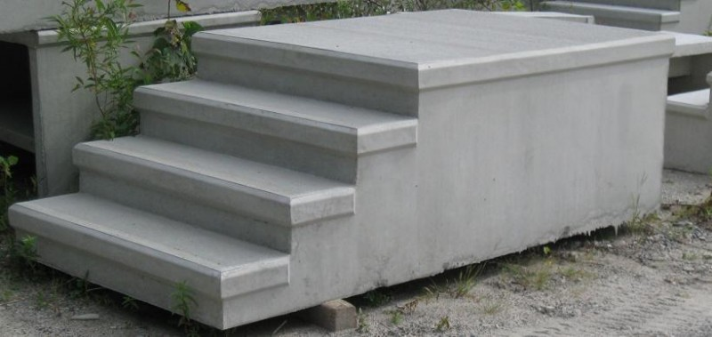 Side view of Prefabricated concrete steps
