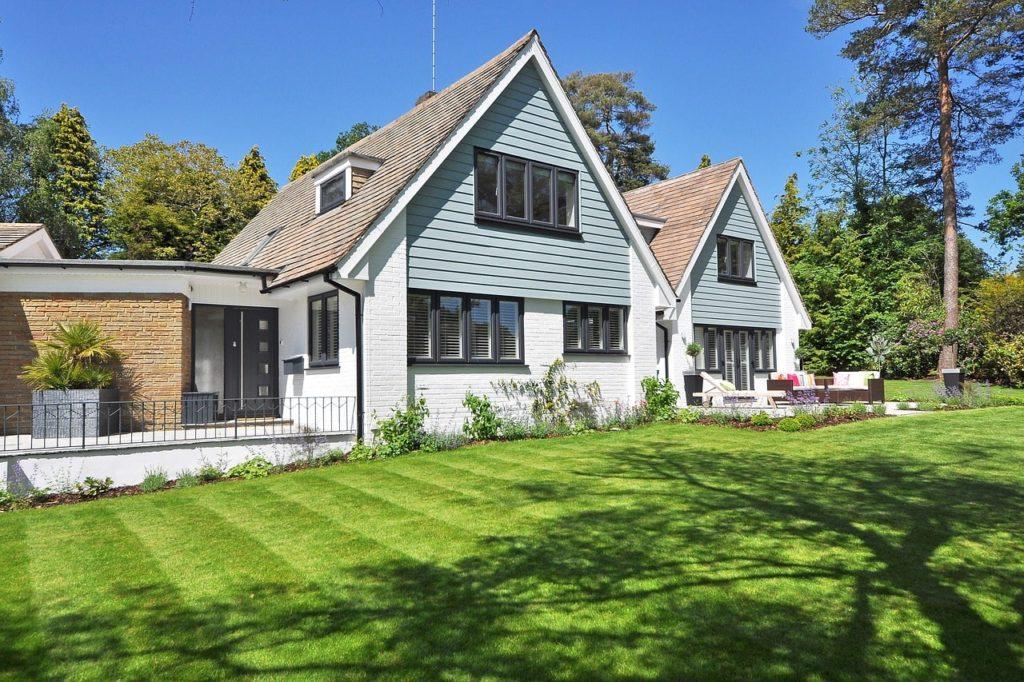 beautiful-home-2826052_1280-min
