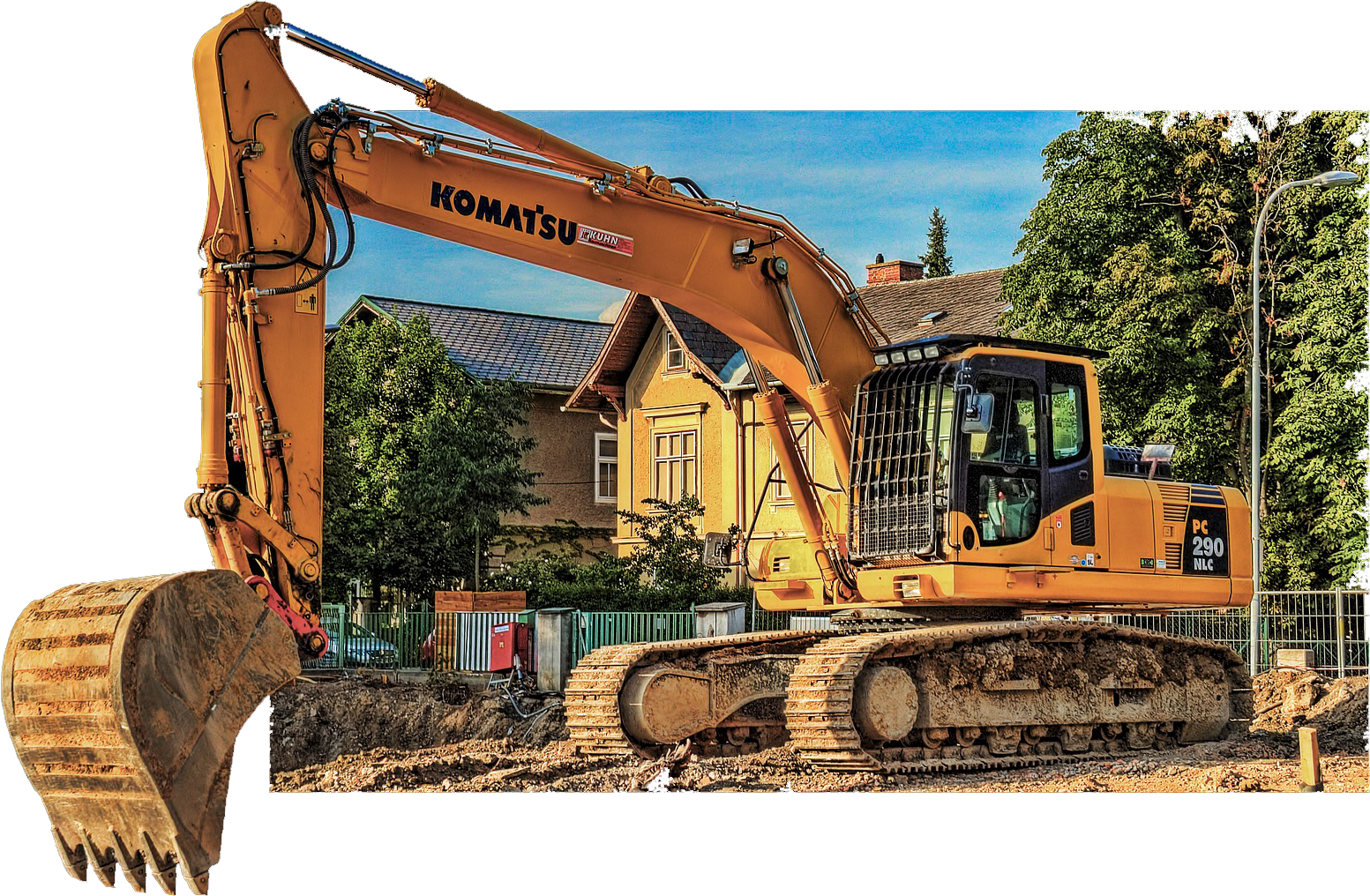 excavator-with-claw