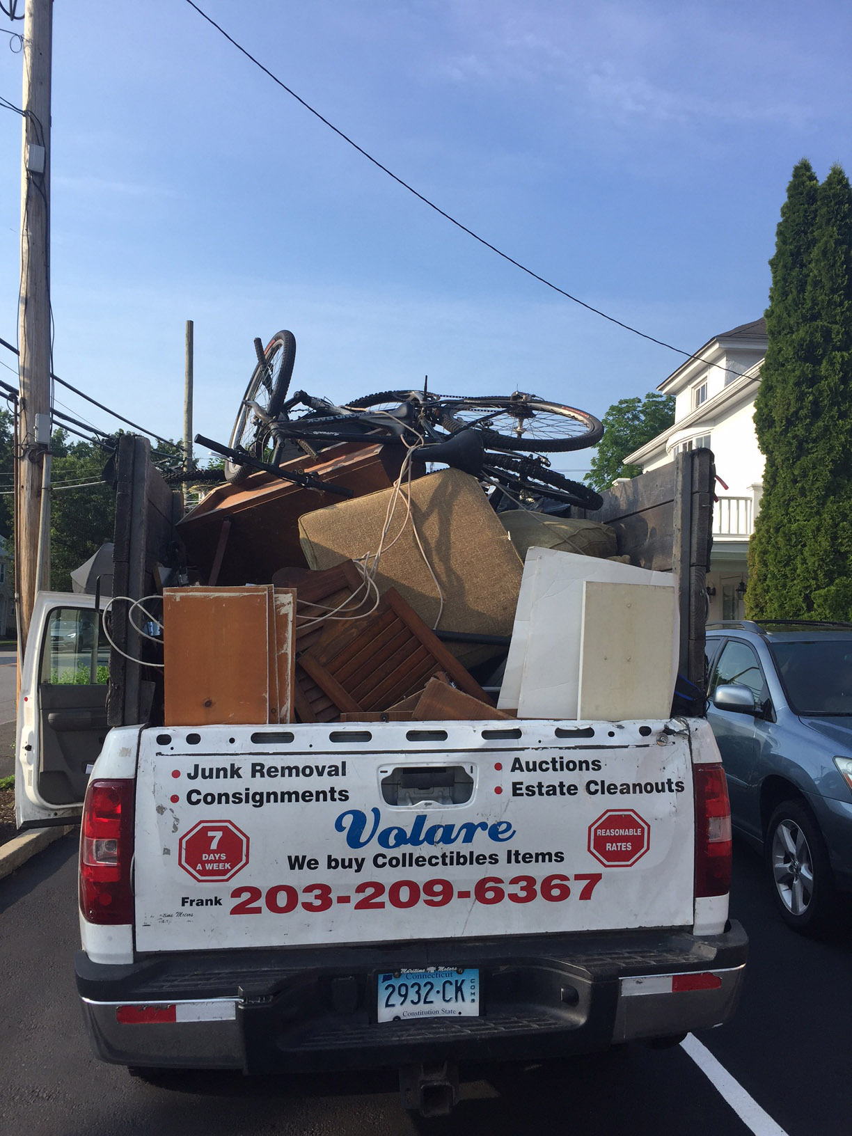 Trusting an Expert to Help with Junk Removal - Frank Loves Junk