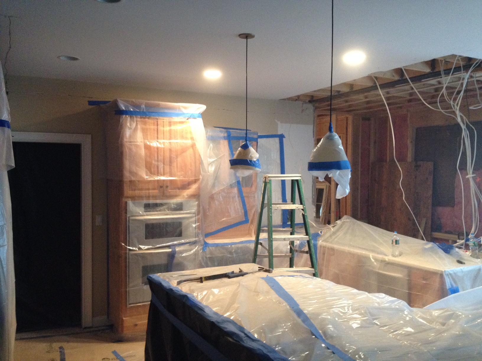 Why you should use a professional for your kitchen demolition mad dog youve decided to take the plunge and update your kitchen before bringing in the latest counters and appliances you need to get rid of all those existing solutioingenieria Images