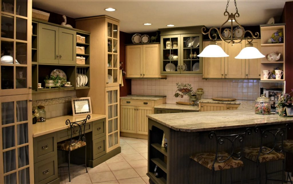 Choose Your Custom Kitchen Cabinetry With Intelligence - CT ...