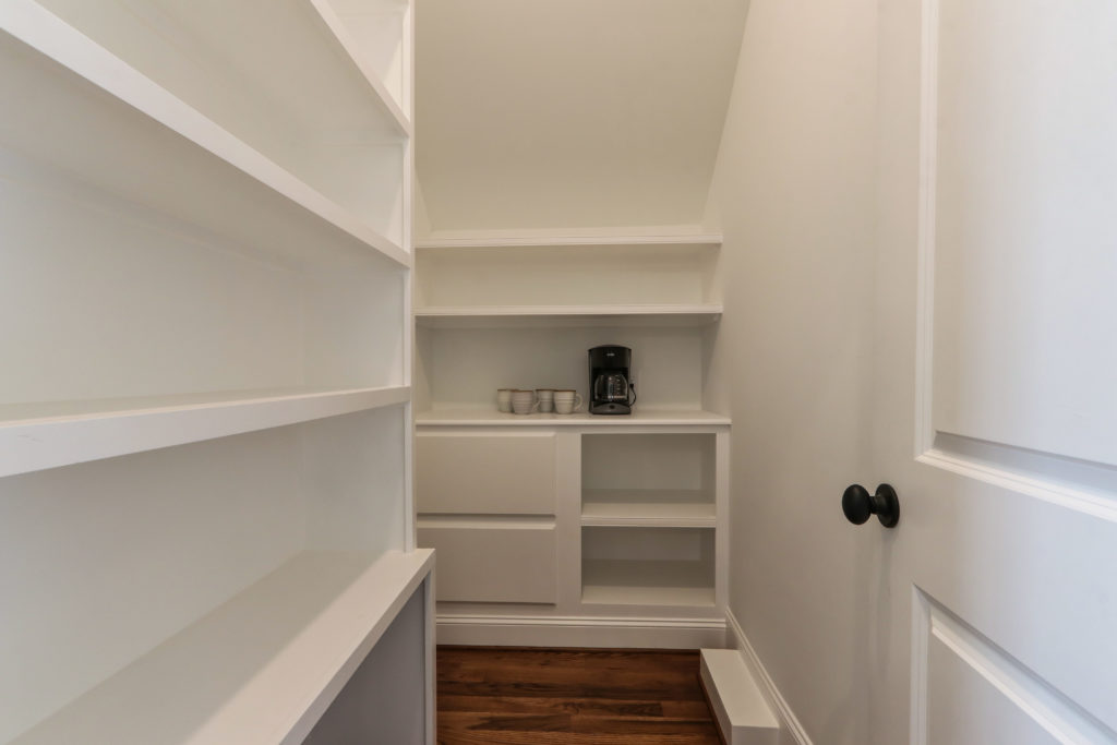 3803 Eagle Downs Way-print-006-025-Butlers Pantry-4200x2802-300dpi