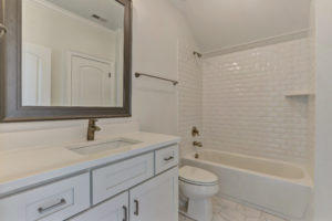 3803 Eagle Downs Way-print-029-032-Bathroom-4200x2802-300dpi