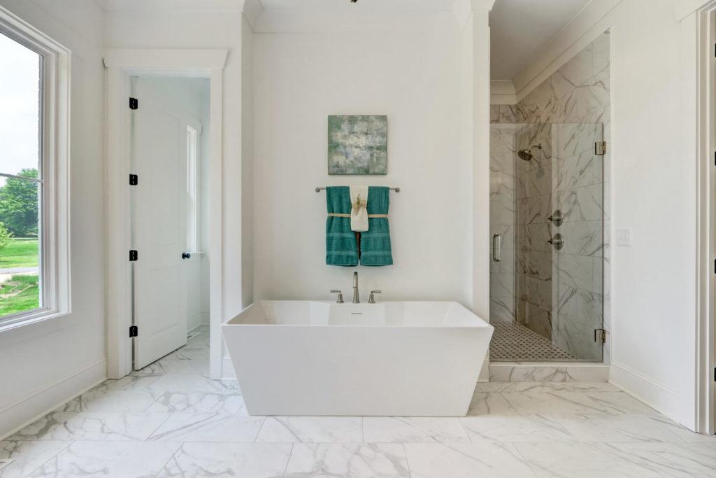 8407 Wolf Ridge Ct Oak Ridge-large-019-018-Master Bathroom-1500x1000-72dpi