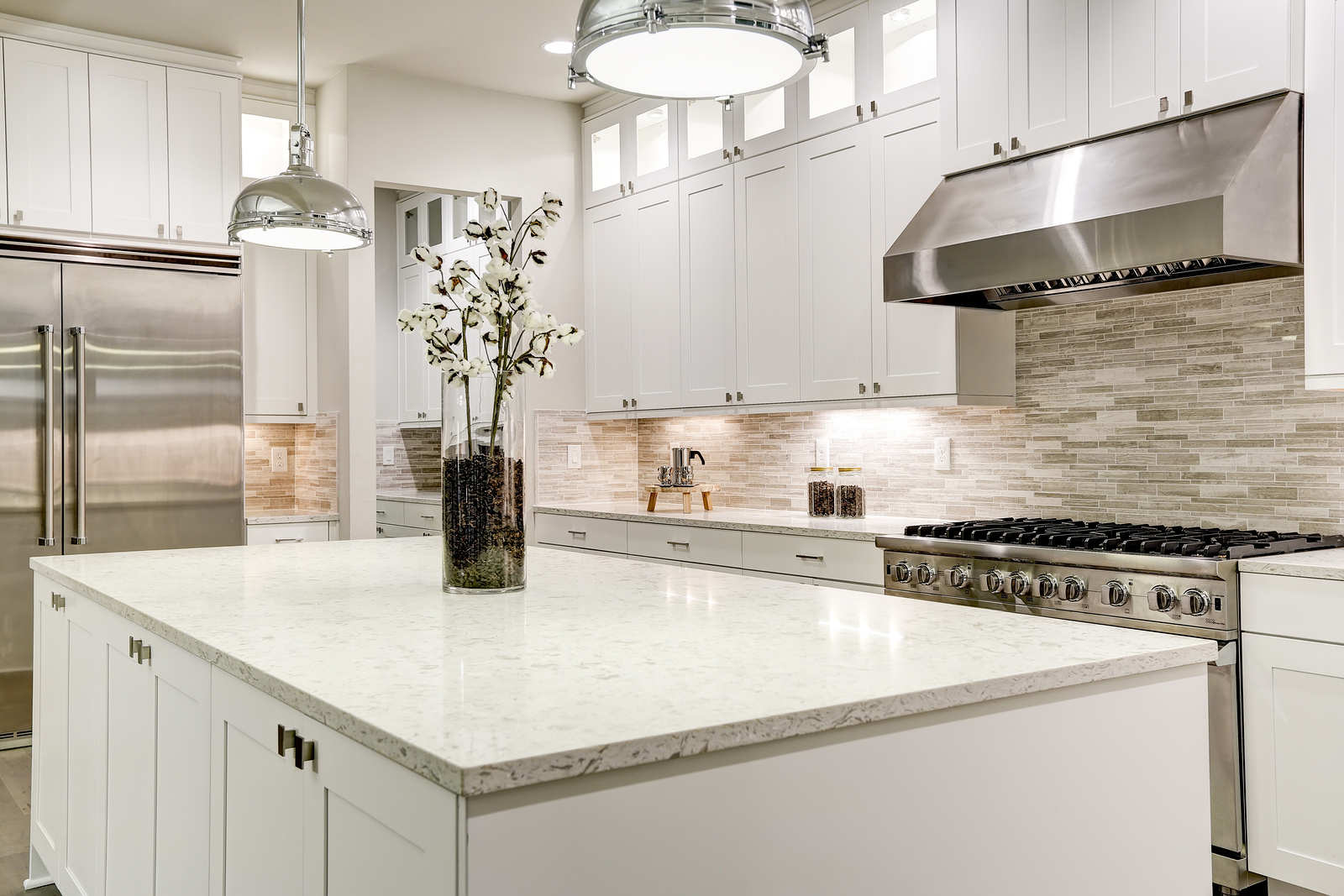 Choosing A Backsplash With Your Granite Or Marble Countertops Granite Marble Countertops