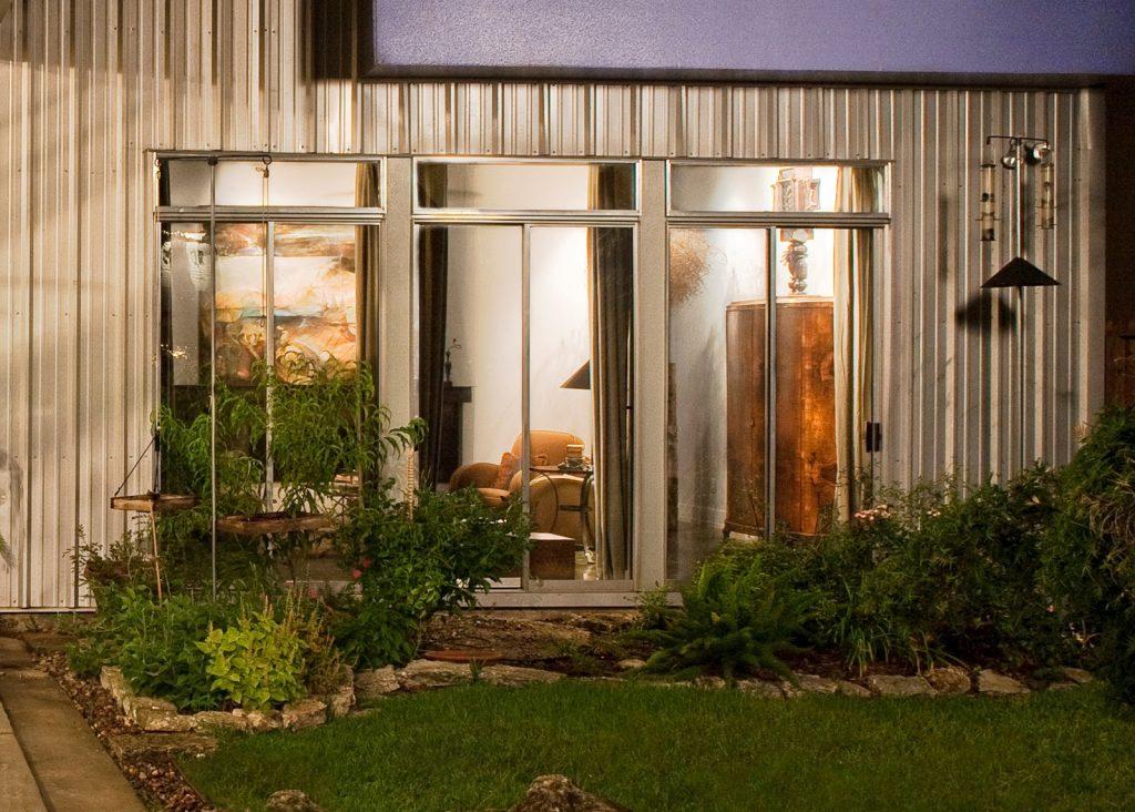 B-Rad Studios, b-radstudios.com