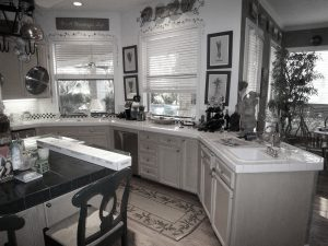 Byers-kitchen-before-21