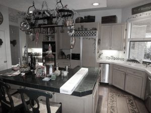 Byers-kitchen-before-11